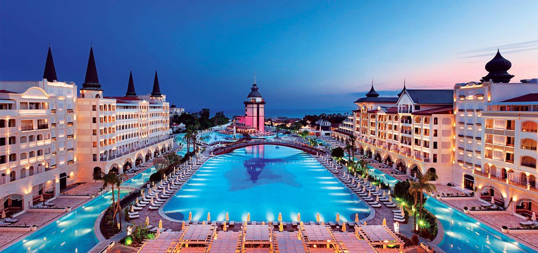 Titanic-Mardan-Palace-_-Antalya,-Turkey-1